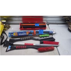 "3 SNOW BRUSHES, 21"" WINDSHIELD WIPERS AND 2 EMERGENCY ROAD MARKERS"