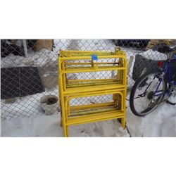 4 SETS OF FOLDING METAL SAFETY RAILS