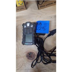 GAS DETECTION DEVICE W/CHARGER