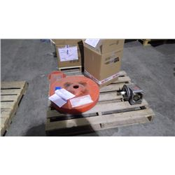 PALLET WITH REFRIGERANT COILS AND PUMP INSERT
