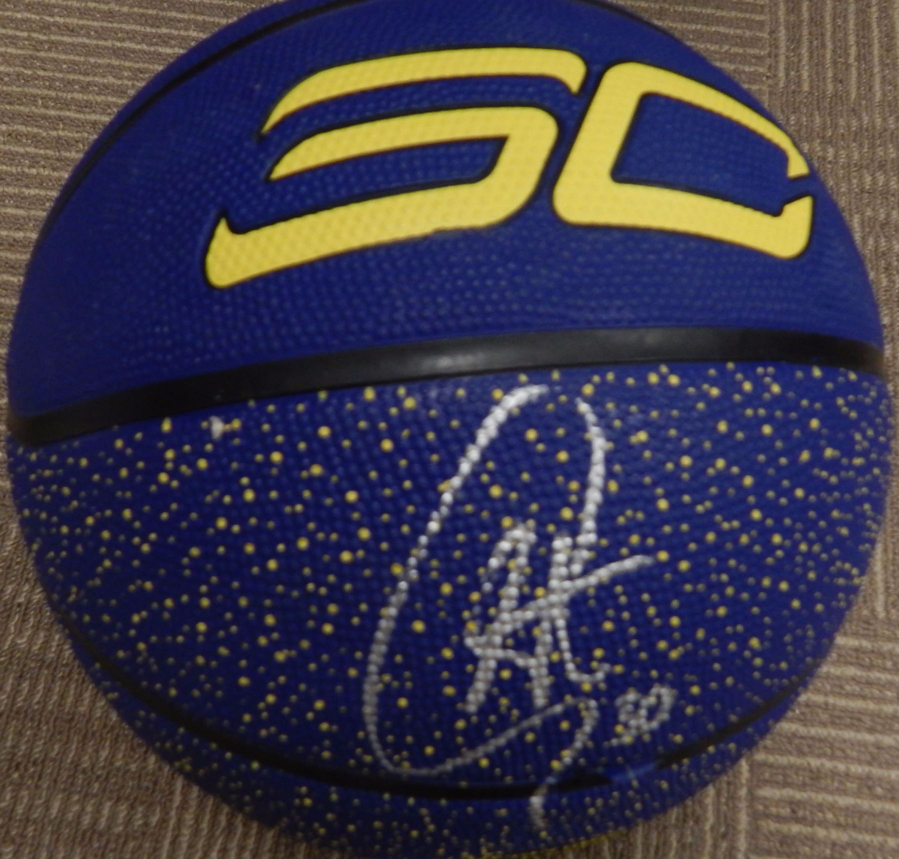 finest selection 279eb 98226 Stephen Curry Signed Basketball