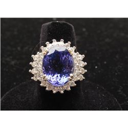 One outstanding ladies ring in 14k white gold set with