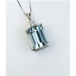 Dazzling pendant featuring a VS quality 20.21 carat Aquamarine and