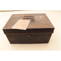 Locking Japaned tinned mid-19th century box measuring 6  x