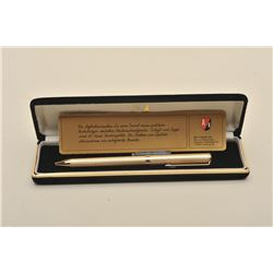 Berendsohn fountain and ball point pen combo in box. Est.: