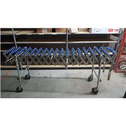 Extendable roller conveyor