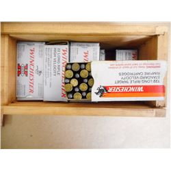 ASSORTED LOT OF WINCHESTER 22 LR IN DECORATIVE WOODEN WINCHESTER BOX