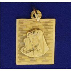Virgin Mary Pendant in 18k Gold
