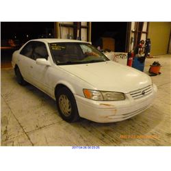 1998 - TOYOTA CAMRY / SALVAGE TITLE