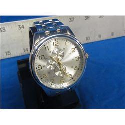 New large mens quartz watch