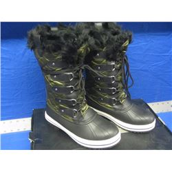New womens size 8 winter boots