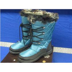New Snowtech womens size 7 winter boots