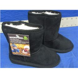 New Dawgs micro fibre winter boots youth/toddler size 4/5