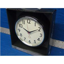 New black retro wall clock