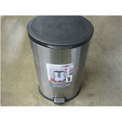 Stainless steel 30 litre garbage can with foot pedal