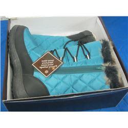 New Snowtech womens winter boots size 7