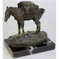 Vintage Charlie Russell table top bronze on black marble base of a pack horse, heavy nicely done res