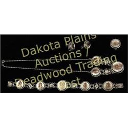Quality vintage jewelry set including bracelet, necklace, ring, and earrings all matching, mother of