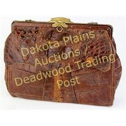 Vintage ladies Western purse in brown alligator leather, interior lined in kid leather, overall cond