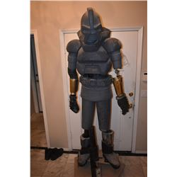 BATTLESTAR GALLACTICA COMPLETE PRODUCTION MADE CYLON FROM ORIGINAL MOLDS SCREEN USED BLASTER