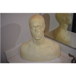 DISPLAY FULL BUST WITH SOLID BASE FOR MASKS HATS WIGS ETC 1
