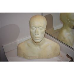 DISPLAY FULL BUST WITH SOLID BASE FOR MASKS HATS WIGS ETC 2