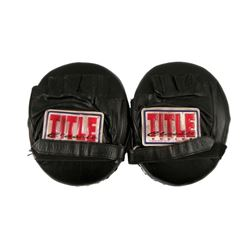Southpaw Titus 'Tick' Wills (Forest Whitaker) Gym Boxing Mitts Movie Props
