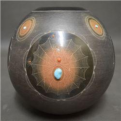 SAN ILDEFONSO POTTERY JAR (Sthan-Moo-Whe)