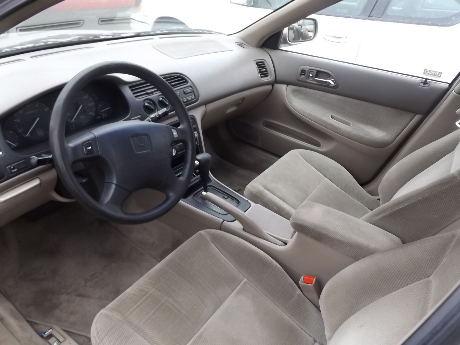 ... Image 4 : 1997 Honda Accord