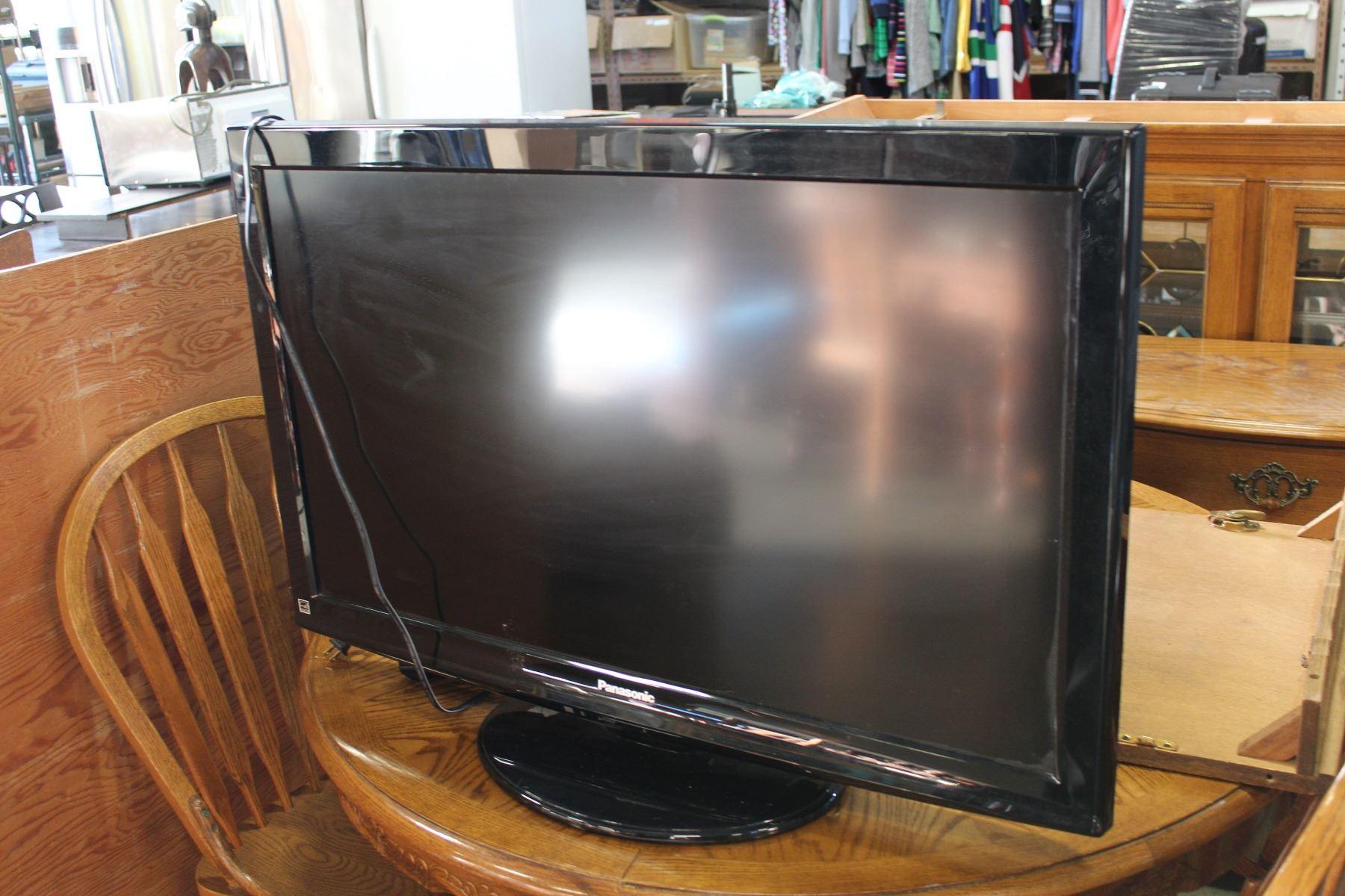 Wonderbaar 38 INCH VIERA PANASONIC LCD TV DT-57