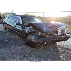 2003 - LINCOLN TOWN CAR