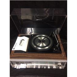 VINTAGE LLOYD'S  TURNTABLE W/ CASSETTE & AM/FM RADIO