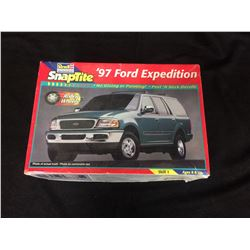 REVELL MONOGRAM SNAPTITE '97 FORD EXPEDITION (UNBUILT IN BOX)