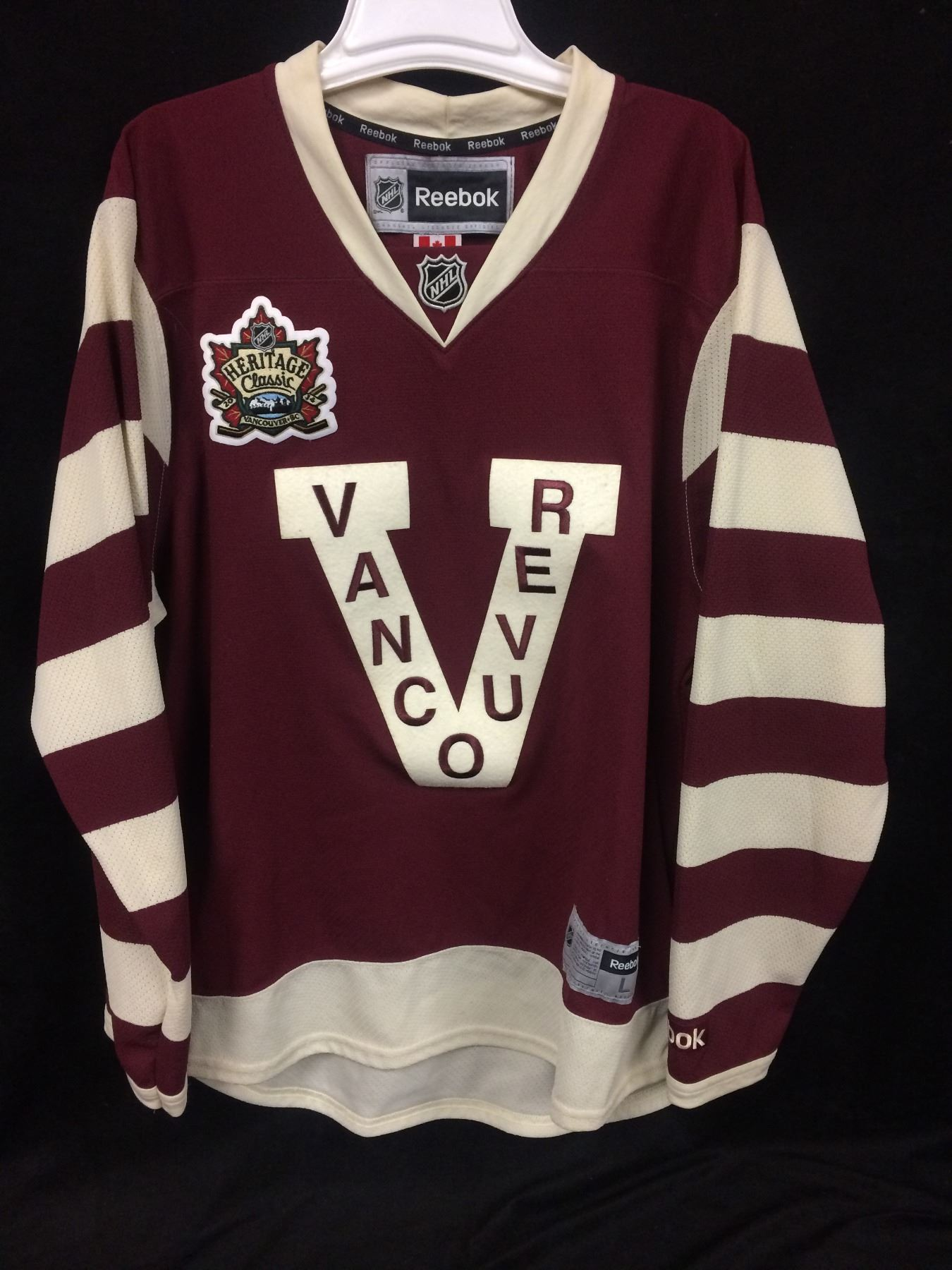 on sale 201a8 7a757 HERITAGE CLASSIC VANCOUVER CANUCKS HOCKEY JERSEY (SIZE LARGE)