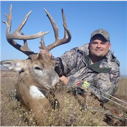 Guaranteed Iowa or Missouri Semi-Guided on Private farms Whitetail Hunt Free Ranging Whitetails