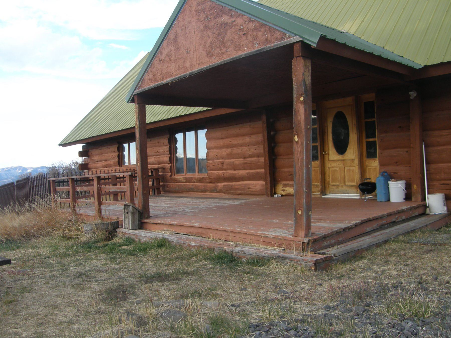 Discounted Elk Hunting Lodge for 4-6 hunters w/3000 private