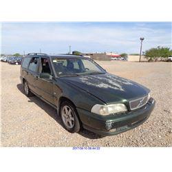 2000 - VOLVO V70