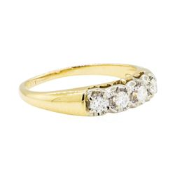 0.20 ctw Diamond Ring - 14KT Yellow Gold