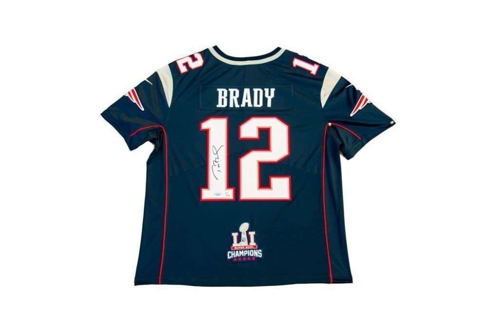 promo code cafb6 dfedf Tom Brady Signed Patriots Limited Edition Nike Jersey with ...
