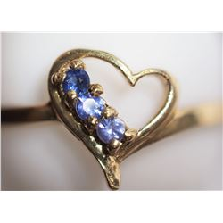 10K HEART SHAPED SAPPHIRE RING RETAIL $600