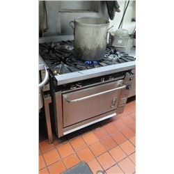 Montague 6-Burner Gas Range and Oven (not all burners turn on)