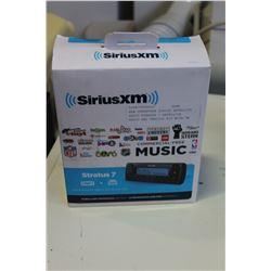 NEW OVERSTOCK SIRIUS SATELLITE RADIO STRATUS 7 SATELLITE RADIO AND VEHICLE KIT WITH FM DIRECT ADAPTE