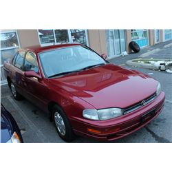 1993 TOYOTA CAMRY, AUTOMATIC, 4 DOOR , RED, 171,000KM WITH KEY, AND REGISTRATION