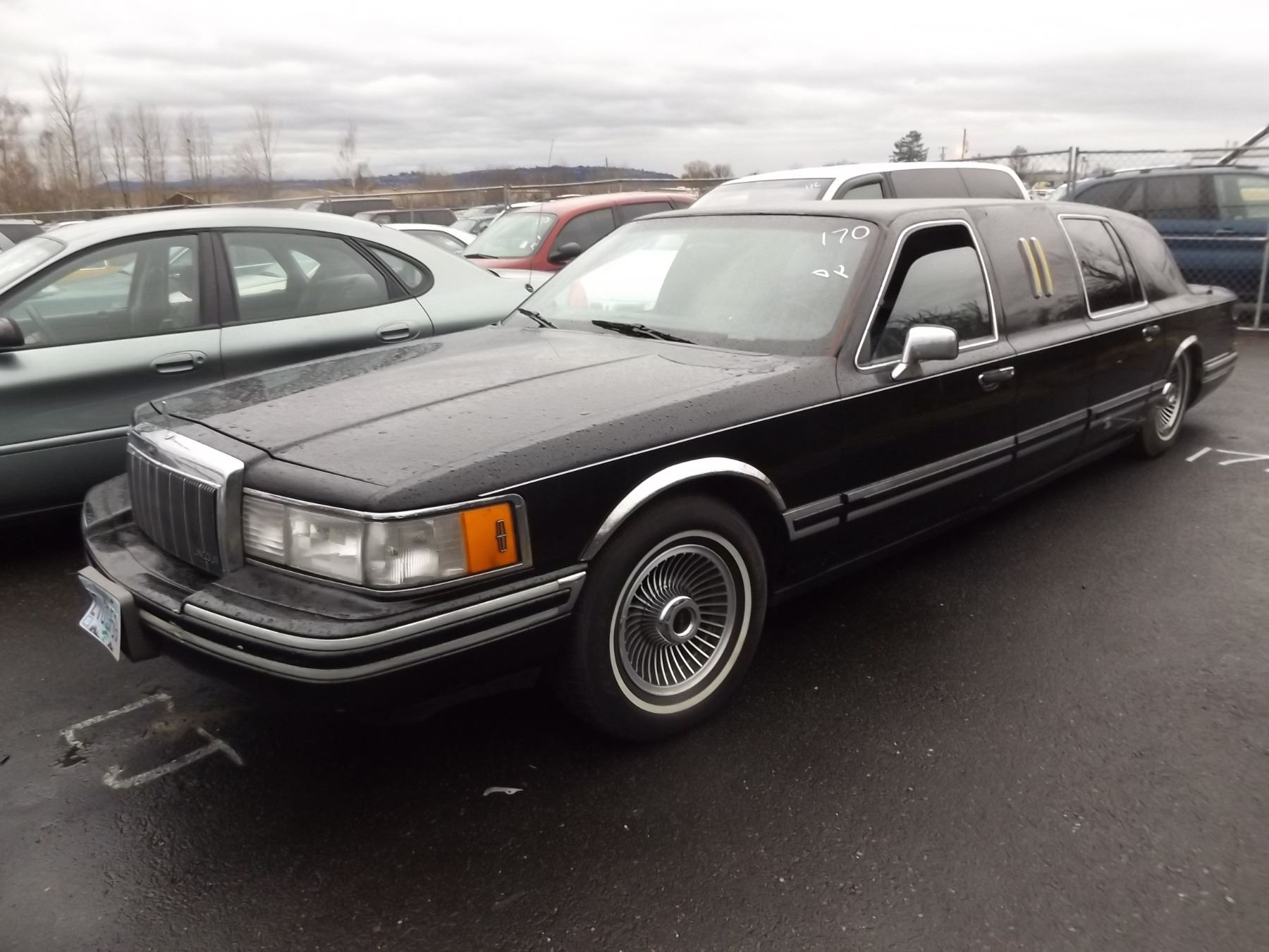 1992 Lincoln Town Car Speeds Auto Auctions Image 1