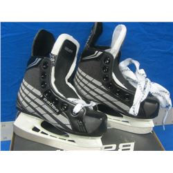 3d09fef86e3 Bauer hockey skates youth size 8