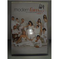 Used Modern Family Season 3