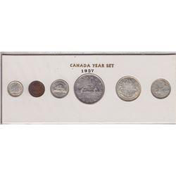 1937 Canada Year Set in Folder