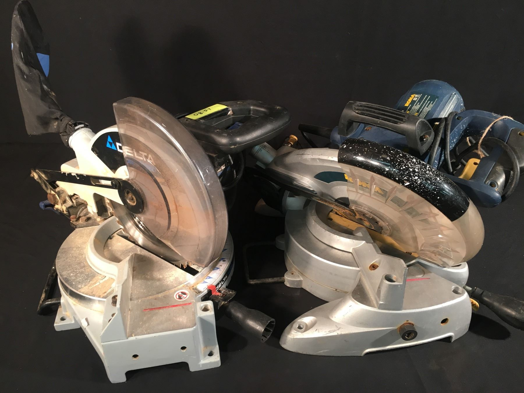 RONA 10 INCH MITRE SAW & DELTA 10 INCH MITRE SAW - Test Site