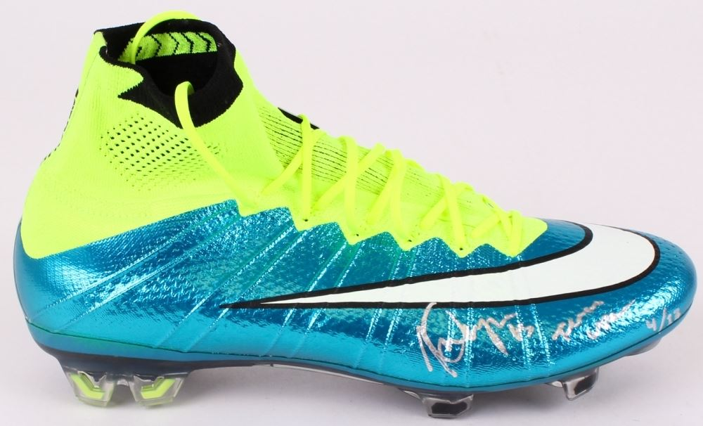 hot sale online b36d0 dd4e4 Alex Morgan Signed Limited Edition Nike Soccer Cleat Inscribed