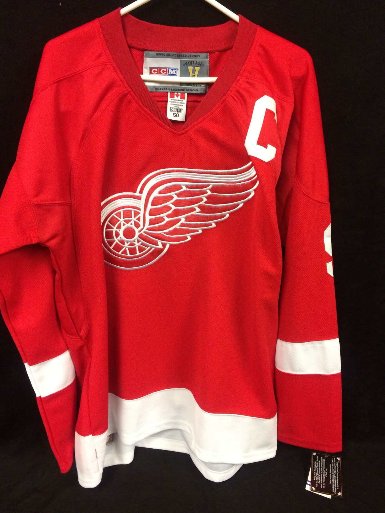 new product 1a44f 15caf GORDIE HOWE AUTOGRAPHED RED WINGS HOCKEY JERSEY INSCRIBED MR. HOCKEY W/ COA